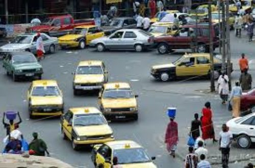 Article : 8 différences entre les taxi-ville au Sénégal et au Cameroun