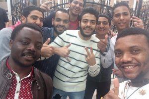 Le selfie est un message qui transcende les barrières linguistiques